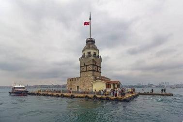 istanbuldan-bayan-arkadas-ariyorum